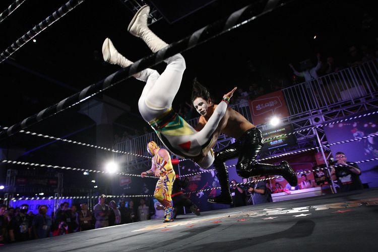 Demonstração de lucha libre, estilo de luta mexicano, para promover game do gênero na E3