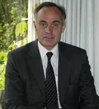 Ministro da justiça do Reino Unido, Crispin Blunt, liberou o uso de videogames em prisões