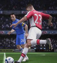 """Entre as novidades de """"FIFA 11"""" estão os vários tipos de passe e chutes"""