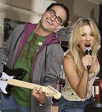 No seriado, Leonard e os outros nerds adoram games - às vezes até a bela Penny joga com eles