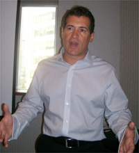 John Dillulo, diretor da Activision Blizzard para a América Latina, fala à imprensa brasileira